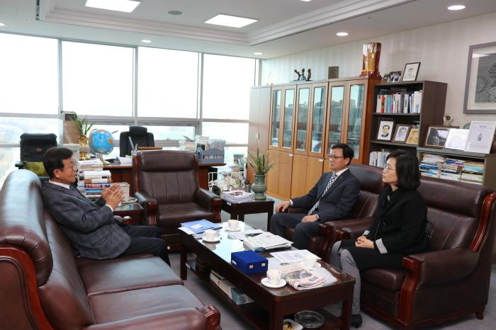 오세중 회장, 원혜영 국회의원 예방